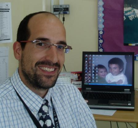 Hispanohablantes en DAA – Aitor ¨Homer¨ Rey, profesor de español en primaria