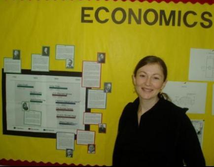 Hispanohablantes en DAA - Robin Mead, profesora de economía en secundaria